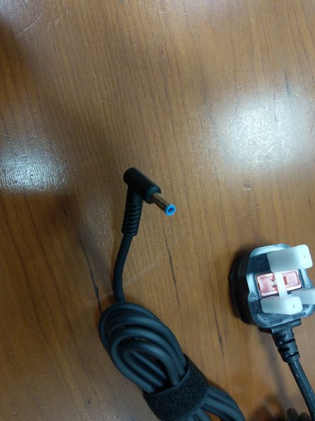 Used Hp laptop charger in Dubai, UAE