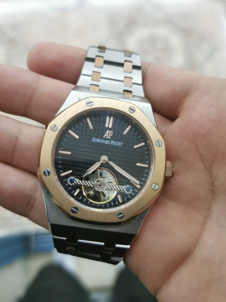Used Ap watch in Dubai, UAE