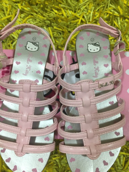 Used HELLO KITTY SANDALS (SIZE 31) in Dubai, UAE
