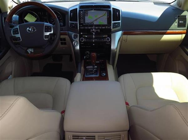 Used Toyota Land Cruiser 2015 V8 , Full Options in Excellent conditions with no Accident record, No Mechanical problem with good Kilometers 4,000 Km. CONTACT EMAIL: wahdashraf@hotmail.com in Dubai, UAE
