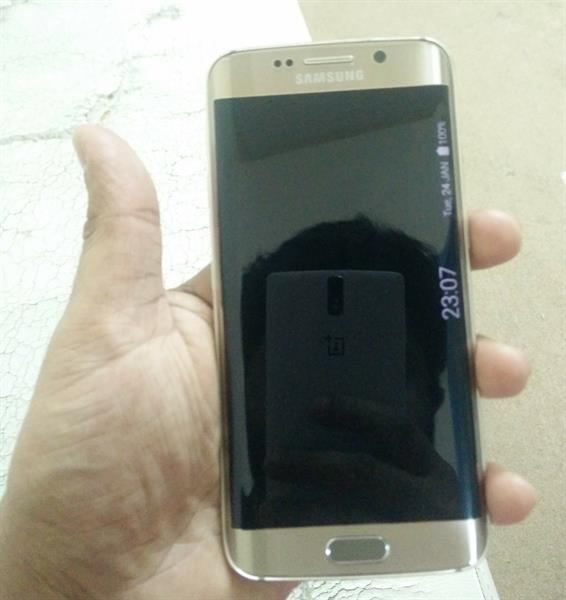 Used Samsung S6 Edge 32GB Gold. Clean. in Dubai, UAE