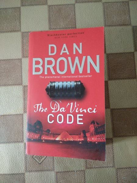 Used Da Vinci Code by Dan Brown in Dubai, UAE