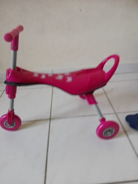 Used Foldable tricycle brand new in Dubai, UAE