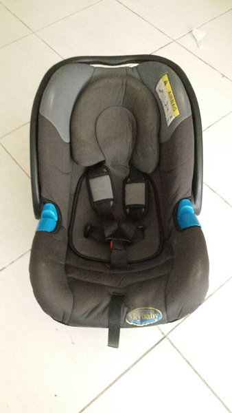 Used Used Car Seat in Dubai, UAE