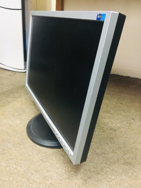 "Used Samsung 19"" Monitor in Dubai, UAE"