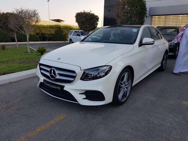 Used Mercedes E-class Mileage Only 400KM good Condition 2017 in Dubai, UAE