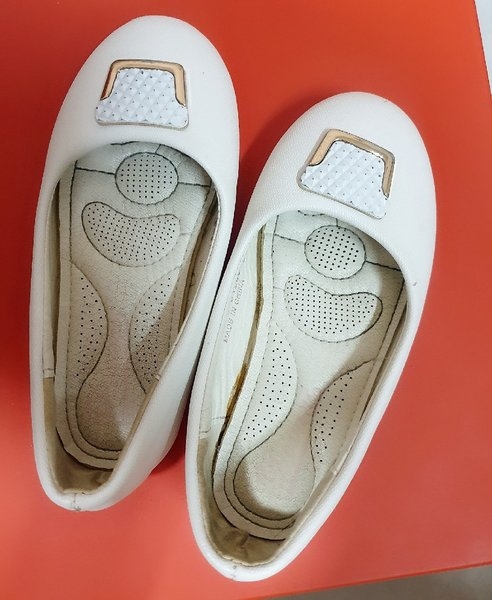 Used White shoes for kids/size 28 in Dubai, UAE