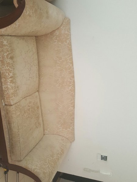 Used Sofa in Dubai, UAE