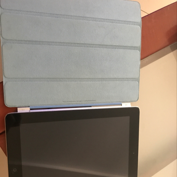 Used Ipad 2 Wifi Without Box With Smart Case In Mint Condition, No Scratches  in Dubai, UAE