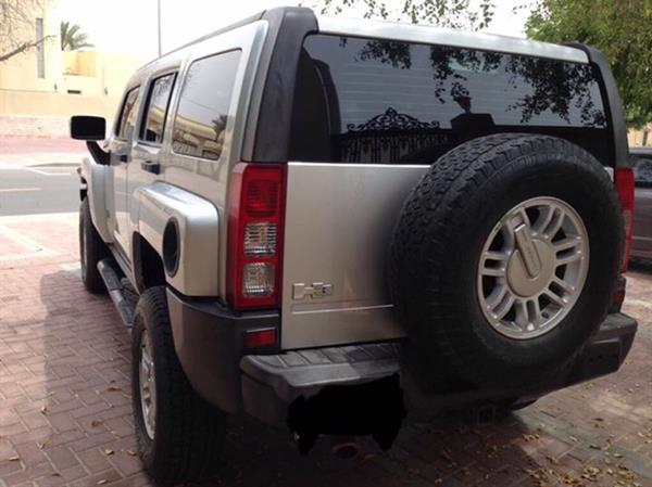 Used Hummer H3 2008 For Silver For Urgent Sale in Dubai, UAE