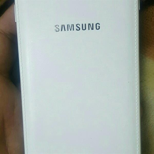 Used Samsung Note 3 Black And White Available  in Dubai, UAE