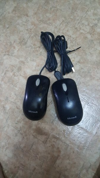Used Microsoft Mouse 2Pcs in Dubai, UAE