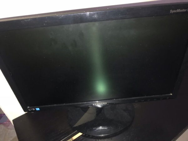 "Used monitor 19"" and RAMs in Dubai, UAE"