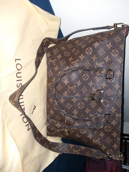 Used Preloved LV bag in Dubai, UAE