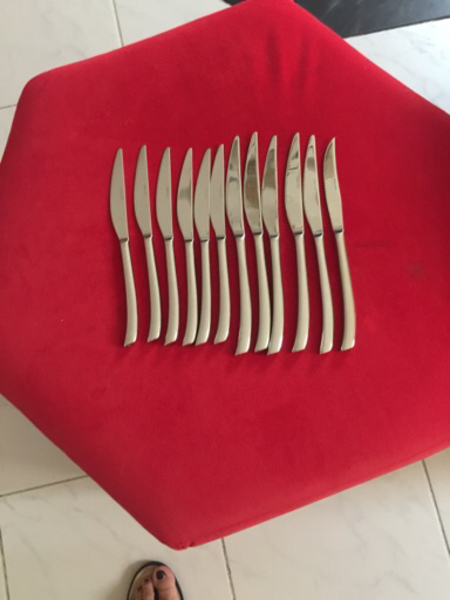 Used 12 pcs.cutlery(dining knives) in Dubai, UAE