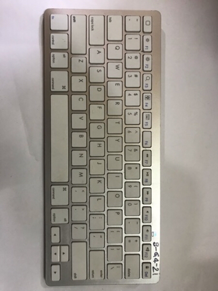 Used Anker  Bluetooth keyboard in Dubai, UAE