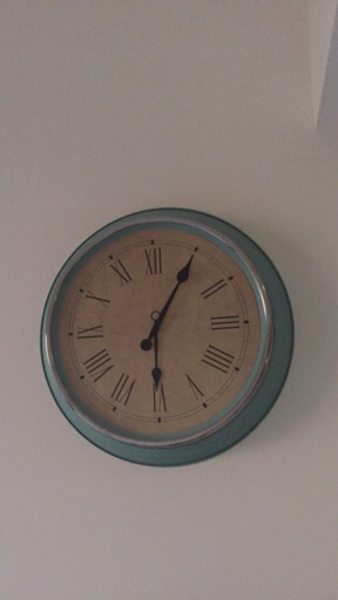 Used Large wall clock in Dubai, UAE