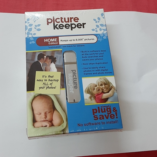Used 1 pc picture keeper in Dubai, UAE