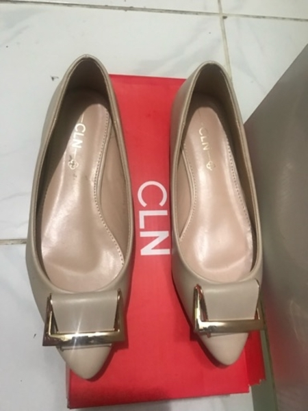 Used Flat shoes for Sale size 36 in Dubai, UAE