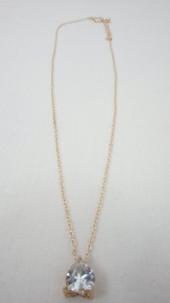 Used CRYSTAL HEART SHAPE NECKLACE FOR KIDS in Dubai, UAE