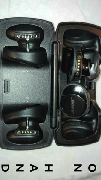 Used ON HAND: Bose SoundSport Free Wireless in Dubai, UAE