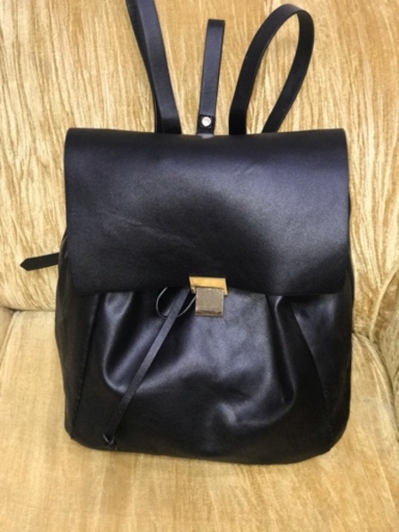 Used Zara back pack pure leather 60 aed in Dubai, UAE