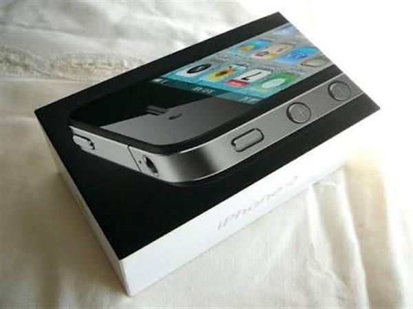 Used IPHONE 4S 16GB BRAND NEW in Dubai, UAE