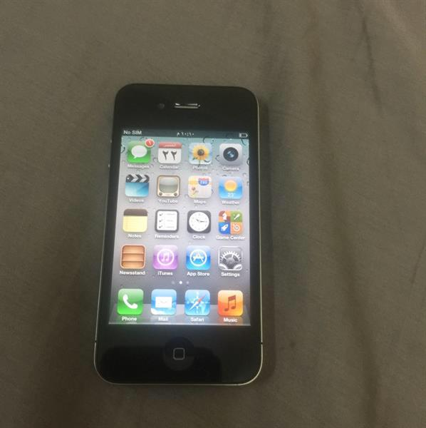 Used Iphone4. Good Cinfition in Dubai, UAE