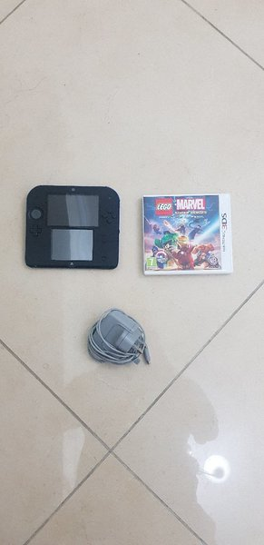 Used Hacked Nintendo 2DS - Great Condition in Dubai, UAE