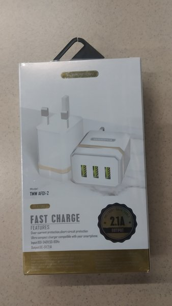 Used Fast charger in Dubai, UAE