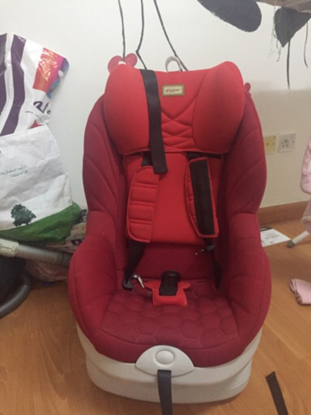 Used Giggles car seat  in Dubai, UAE
