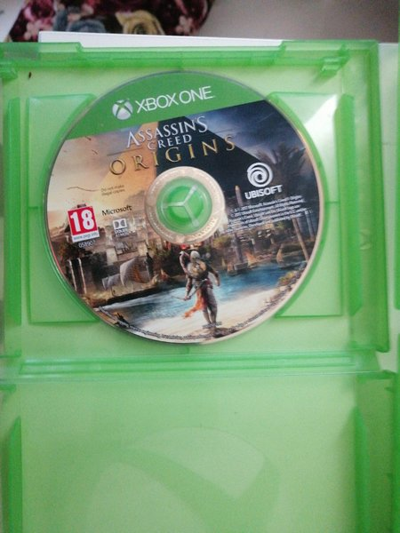 Used Xbox with 3 cds bundle in Dubai, UAE
