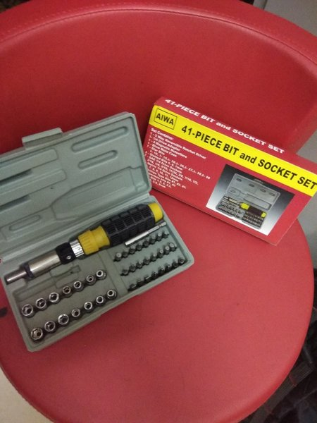 Used Driver set 41 pcs with bits and socket in Dubai, UAE