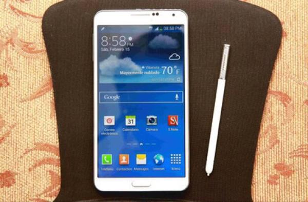 Used Samsung Note-3 White Colour With All Accessories And Plus One Extra Charger .condition Good And New And With 3 Back Cover And Working Good in Dubai, UAE