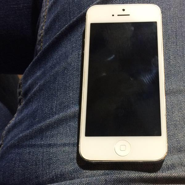 Used iPhone 5 64gb  in Dubai, UAE