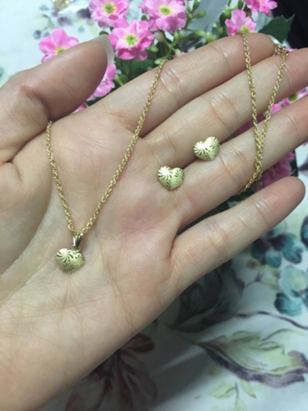 Used 18k real gold set necklace and earring in Dubai, UAE