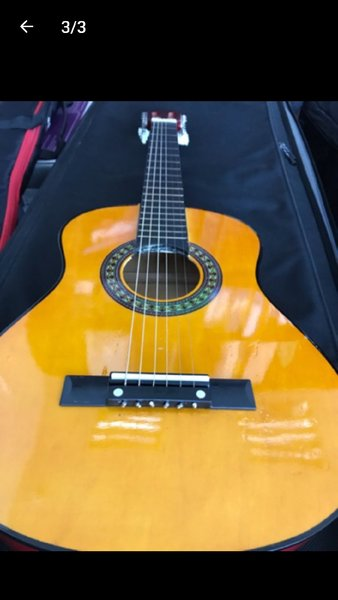 Used Fresh guitar 30 inch box pack in Dubai, UAE