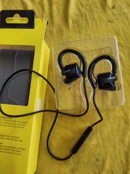 Used Jabra step Bluetooth headset in Dubai, UAE