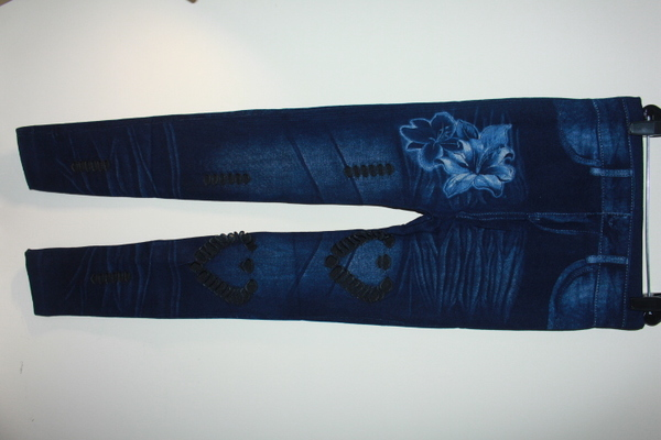 Used Women's fitted jeans, 3 pcs in Dubai, UAE