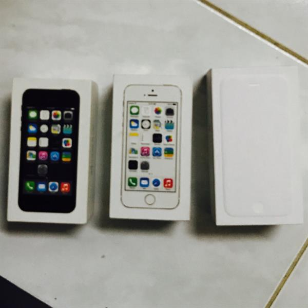 Used 2 I Phone 5s Box - 1 Iphone6 Box With Booklet in Dubai, UAE