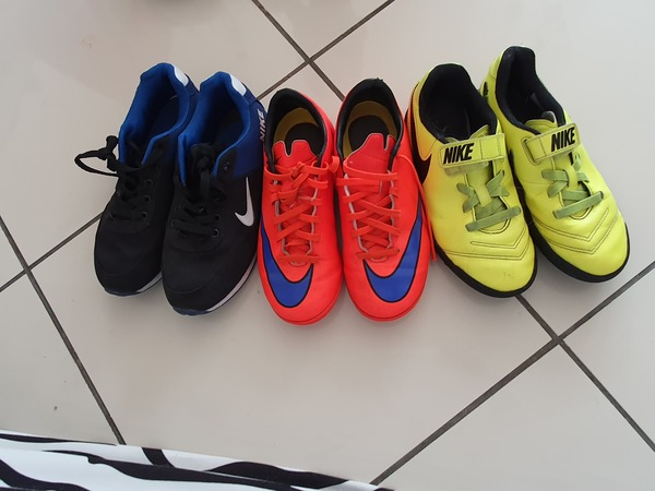 Used Nike shoes for kids size 35 3 pairs in Dubai, UAE