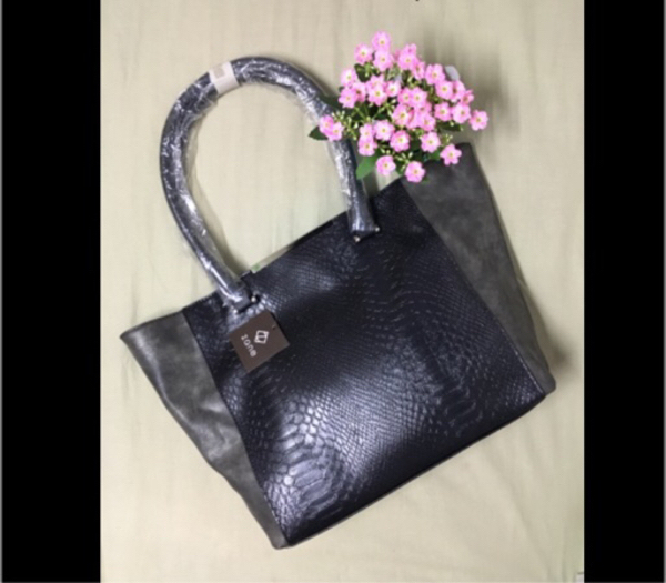Used Beautiful big tote bag black and grey in Dubai, UAE