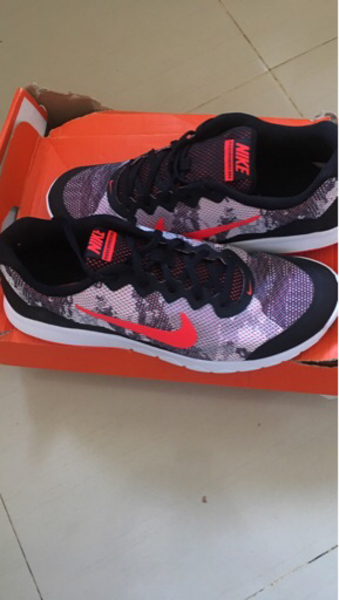 Used Nike running Shoe New original in Dubai, UAE