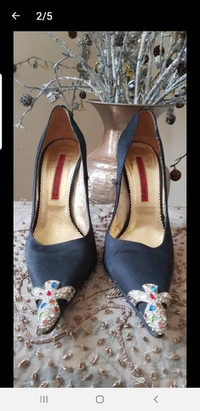 Used GIAN MARCO LORENZI SILK HEELS AUTHENTIC in Dubai, UAE