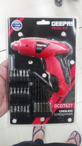 Used Geepas cordless screwdriver and drilling in Dubai, UAE