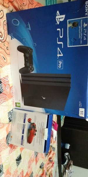 Used New Ps4 1tb with 2 controllers in Dubai, UAE