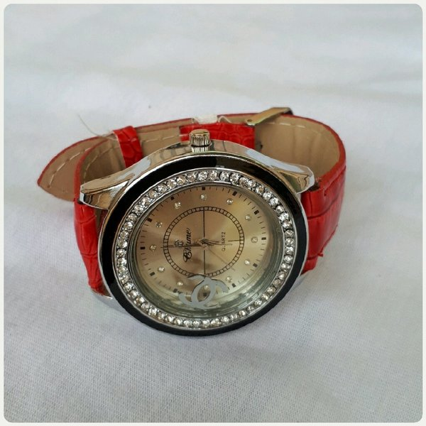 Used Red watch in Dubai, UAE