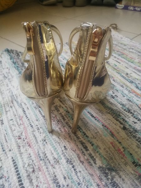 Used Golden Sandals. Size 41 in Dubai, UAE