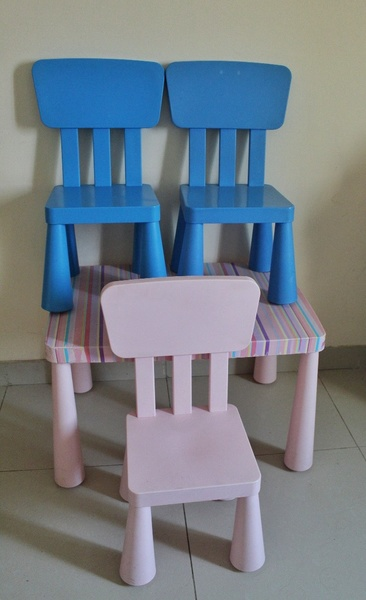 Used IKEA Kids Table & 3 Chairs worth 400 AED in Dubai, UAE