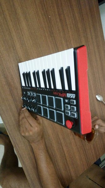 Used Akai professional MPK beat box in Dubai, UAE